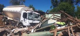 Caminhão destrói residência e deixa vários feridos em Três Passos