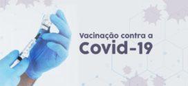 Idosos com idade acima de 62 anos são vacinados contra a Covid